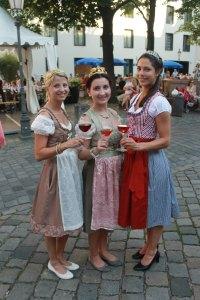 Fränkische Weinprinzessinen im Fränkischen Weinfest